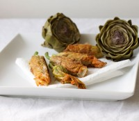 http://www.sweetfineday.com/2010/08/bread-and-onion-stuffed-zucchini-flowers/