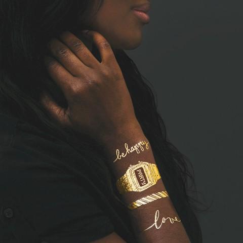 tattly_tattly_gold_bracelet_set_web_applied_01_grande