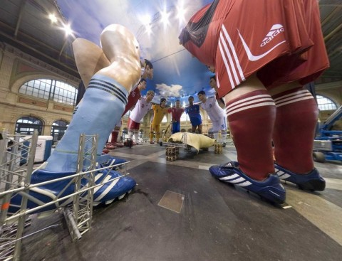 The_football_statues_zurich_switzer