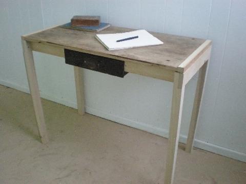 Desks_onesown