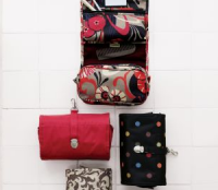 affordable gift idea: Hanging Toiletry Bag