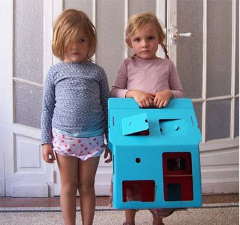 Kidsonroof_doll_house